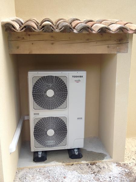 installation de climatisation pompe chaleur et chauffe eau sur aix en provence solelec provence. Black Bedroom Furniture Sets. Home Design Ideas